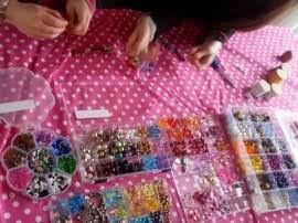 Sieraden maken bij Joy Kinderfeestjes
