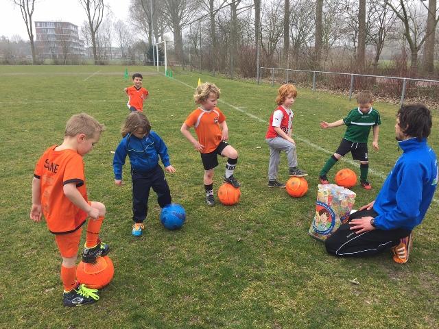 Voetbalfeest bij Marlyne In&Outdoor